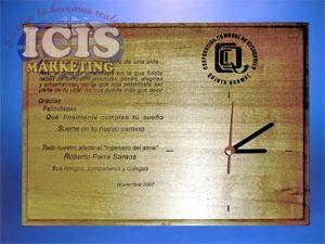 Reloj Base Madera Grabado